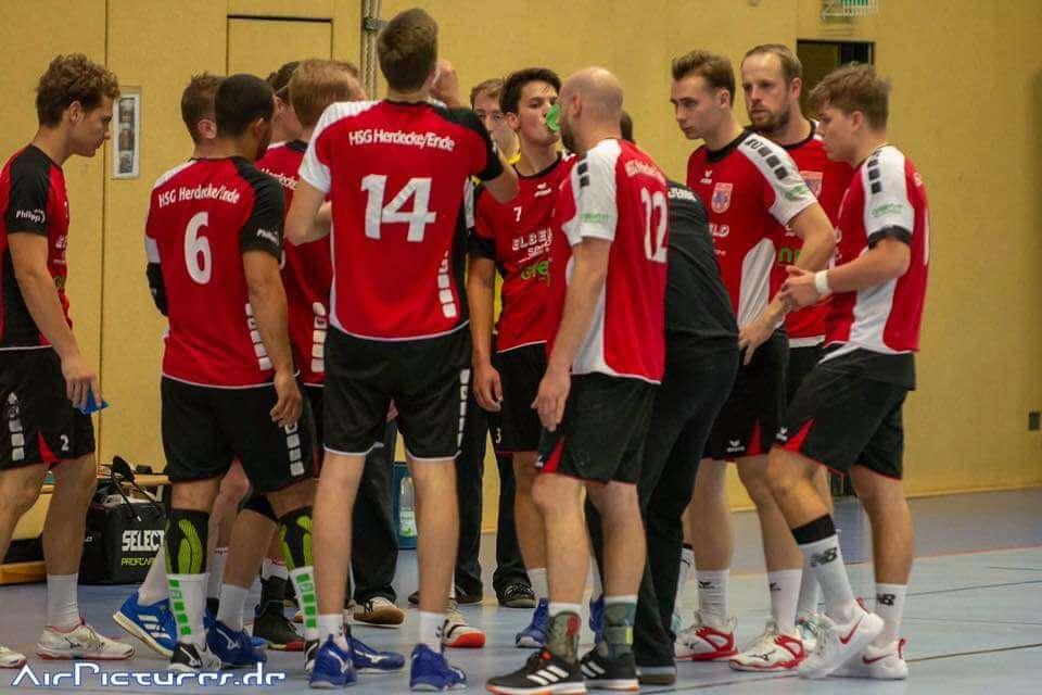 Die HSG Herdecke/Ende muss sich mit der ersten Niederlage der Saison anfreunden.
