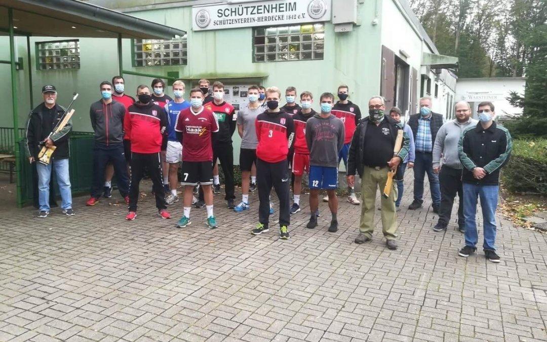 Handballer treffen ins Schwarze